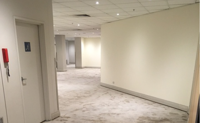 Removal of flooring at the Melbourne Novotel2782x546 copy